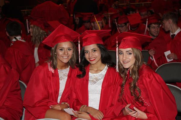 photo of Fort Osage graduates